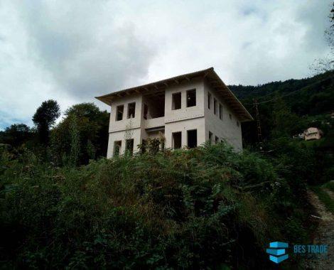 BES-TRADE-INTERNATIONAL-BUILDING-KARADENIZ-HOUSES-8